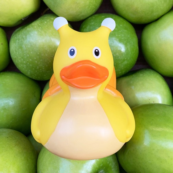 LILALU rubber duck snail sitting in green apples