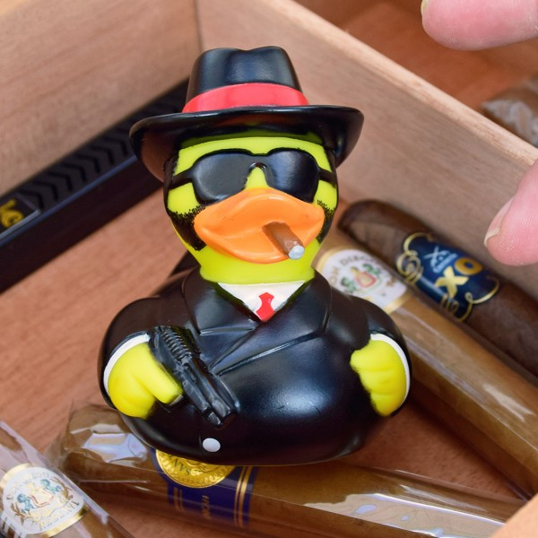 LILALU rubber duck al capo in a cigar box