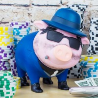 LILALU BIGGYS piggy bank Gangster with poker chips