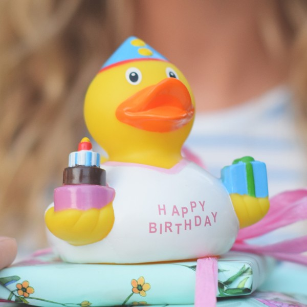 LILALU rubber duck birthday girl on a present
