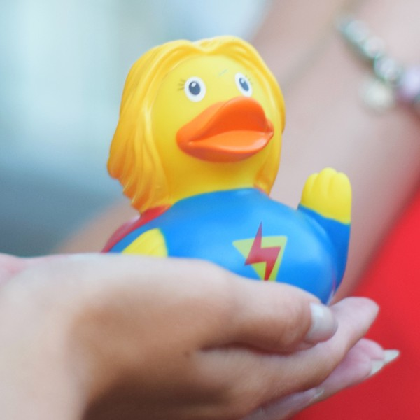 LILALU rubber duck Superheroine in hands